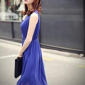 Charming V Neck Empire Waist Blue H..