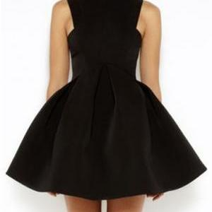 Elegant Solid Sleeveless Pleated Dr..