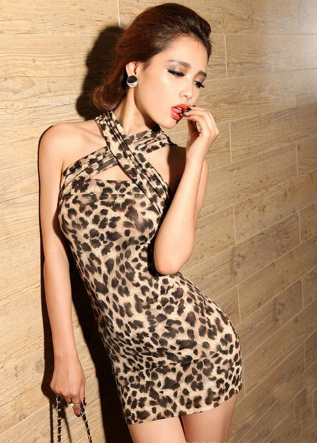 Alluring Leopard Pattern Open Back Evening Dress with Strap