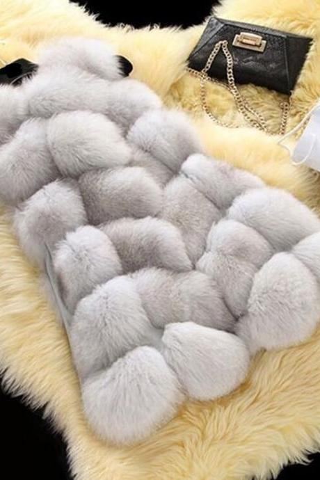High Quality Women Luxurious Fur Winter Vest - Light Grey