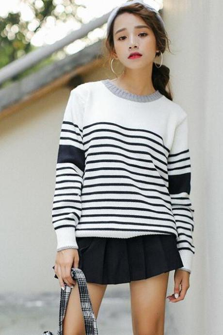 Striped Knitted Crew Neck Long Cuffed Sleeves Pullover
