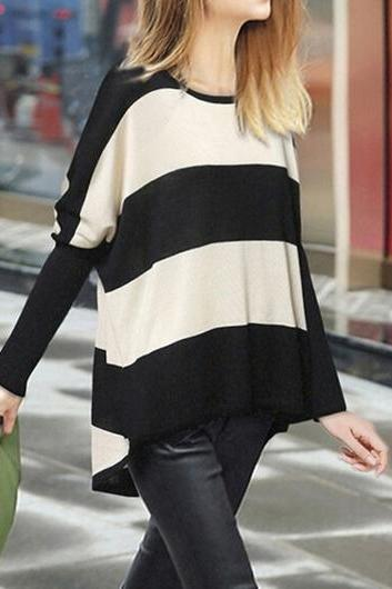 Fashion Round Neck White and Black Striped Knitwear