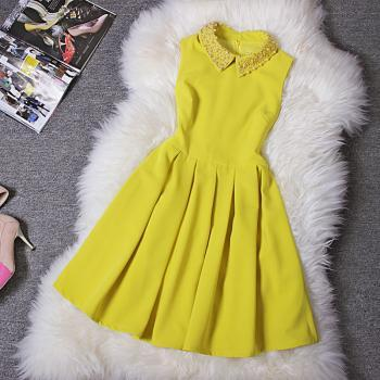 Fashion Handmade Beads Slim Waist Dress - Yellow